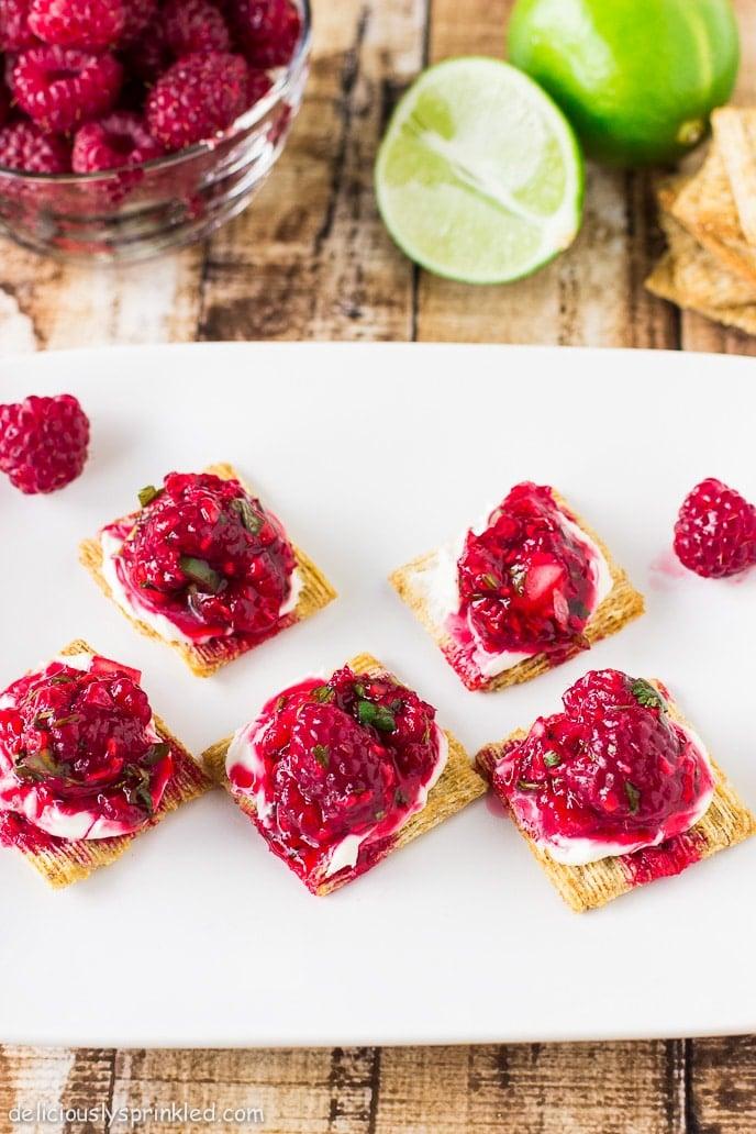 Raspberry Salsa Bites #TriscuitSnackoff