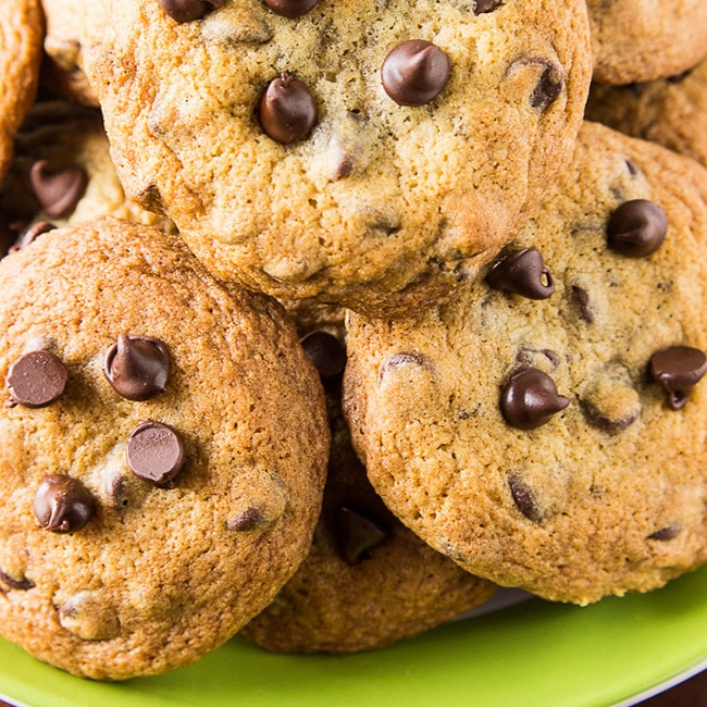 BEST HOMEMADE CHOCOLATE CHIP COOKIES