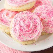 Frosted Sugar Cookies with buttercream frosting. Recipe by deliciouslysprinkled.com