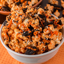 Orange Oreo Popcorn perfect snack. Recipe by deliciouslysprinkled.com
