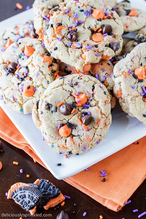Oreo Funfetti Cookies. Recipe by deliciouslysprinkled.com