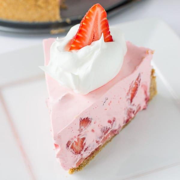 No Bake Strawberry & Cream Pie