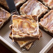 THE BEST CHEESECAKE BROWNIES