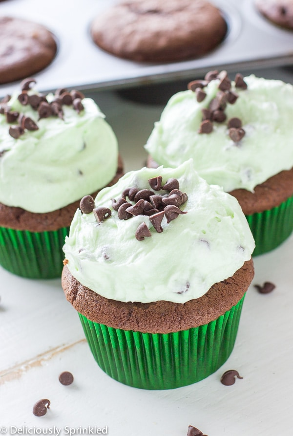 MInt Chocolate Chip Cupcakes-