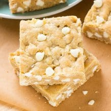 White-Chocolate-Blondies-34545
