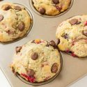 RASPBERRY CHOCOLATE CHIP MUFFINS